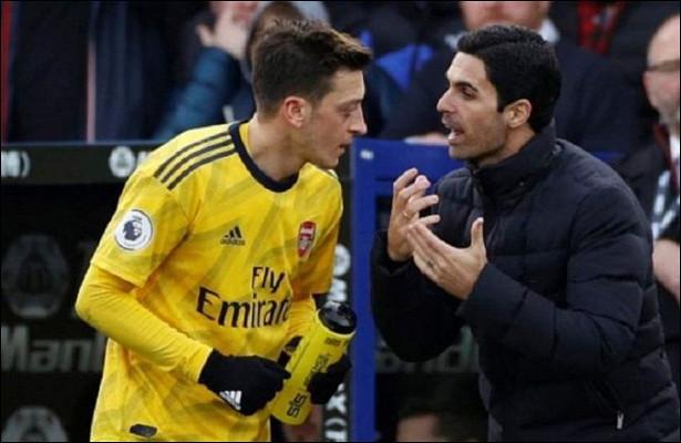 Артета прокомментировал невключение Озила взаявку «Арсенала» наматчи АПЛ