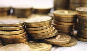 Рубль в начале торгов дешевеет к доллару и евро