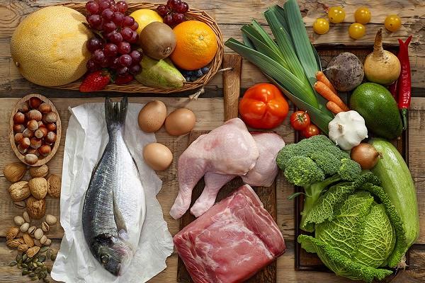 Диетолог перечислил вредные прикоронавирусе продукты