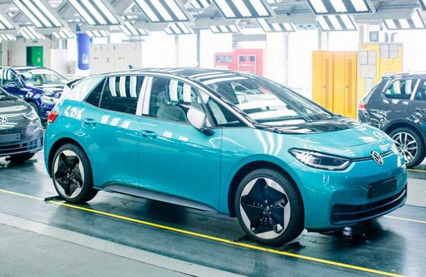 Volkswagen исправил глючный софт нахэтчах ID.3