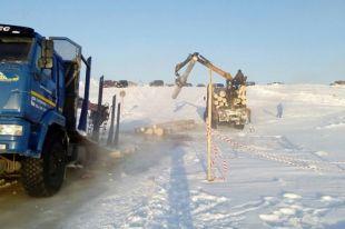 Лесовоз ушёл подводу напереправе вВиноградовском районе
