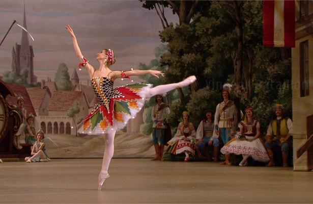 Большой театр возобновил балет «Коппелия» вчесть 200-летия Петипа