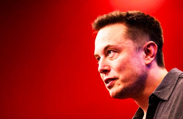 Tesla наймёт человека длязащиты Илона Маска всоцсетях