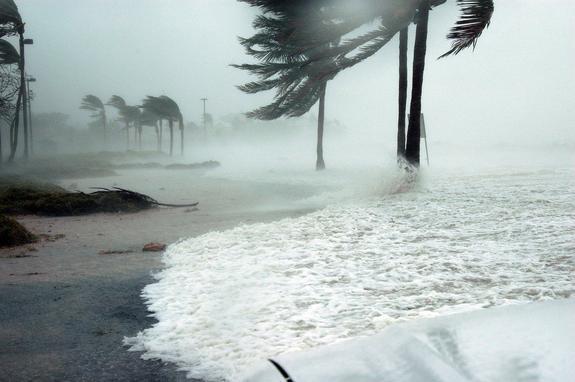 Натурецкую Анталью обрушился смертельный ураган