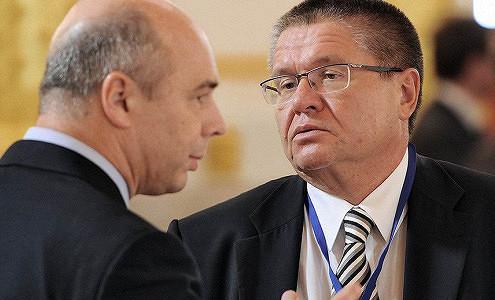 Улюкаев и Силуанов поспорили о поддержке нефтяной отрасли