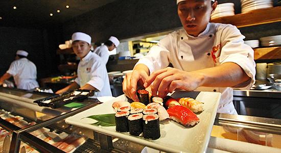 Москва потеряла за месяц 1,5% ресторанов и кафе, их число сократилось до 2778