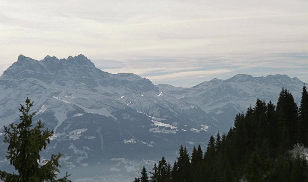 Ростуризм выясняет, есть лироссияне среди застрявших вшвейцарских Альпах