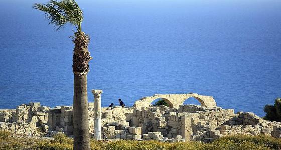 Кипр подкупил покупателей инвестициями