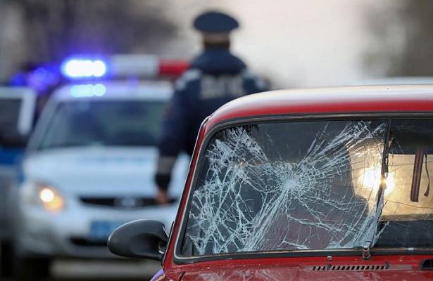 Пьяный водитель сбил насмерть женщину сребенком насанках