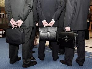 Как банки должны следить за чиновниками