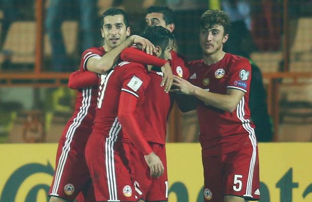 Тренер сборной Армении подал вотставку
