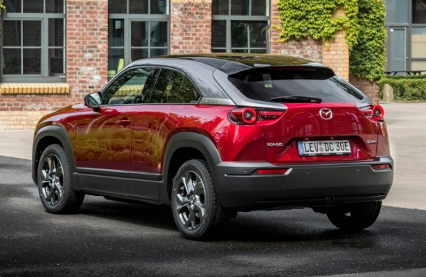 Mazda начала продажи нового субкомпактного кроссовера MX-30