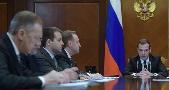 Дмитрий Медведев отбирает у чиновников лишних «лошадей»