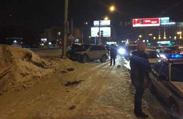 «Мальчонка наснегу, ауженщины егоботиночек вруках»: водитель сбил пешеходов вНовосибирске