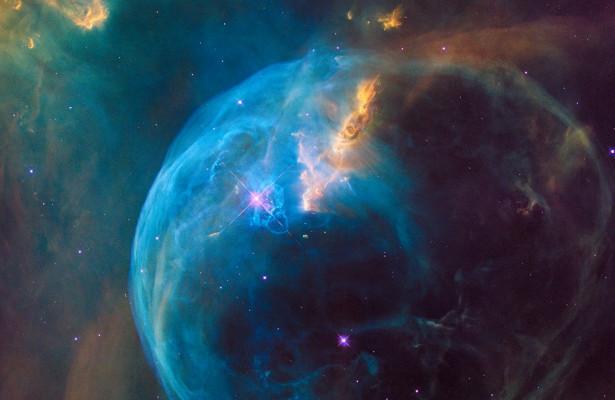 Новая теория объяснила расширение Вселенной