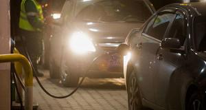 Акцизы на бензин должны пойти и в центр, и в регионы