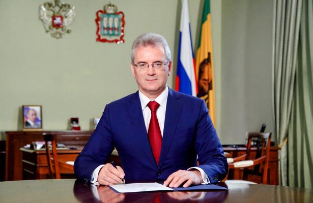 Иван Белозерцев поздравил военнослужащих сДнем ракетных войск иартиллерии