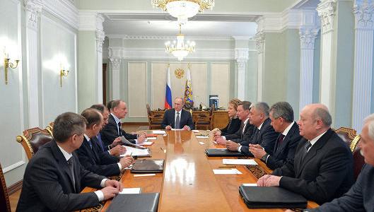 Путин обсудил с Совбезом ситуацию в экономике РФ
