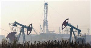 Россия в феврале сократила объем добычи нефти