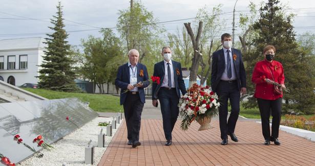 Ветераны Саратовского НПЗполучили поздравления с76-летием Великой Победы