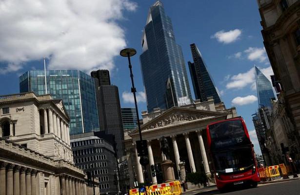 Экономика Британии сократилась почти на10%