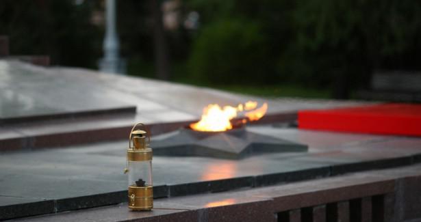 «Мосгаз» провел профилактику Вечного огня вАлександровском саду вМоскве