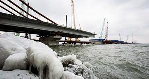 Козак не увидел предпосылок для роста стоимости моста в Крым нет