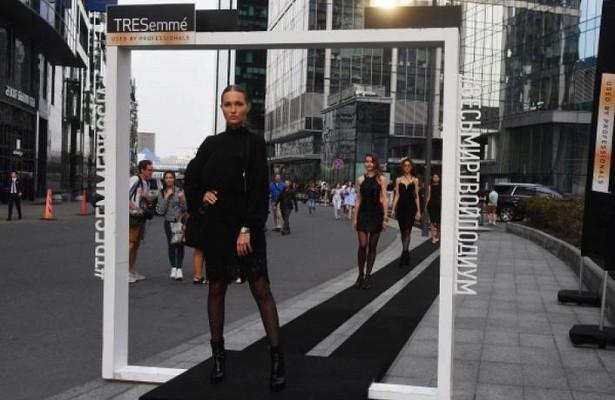 Километры красоты: встолице соорудили самый длинный напланете подиум иустановили новый рекорд