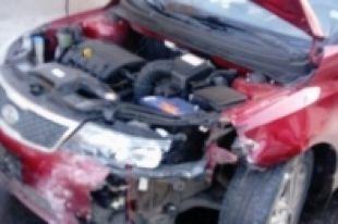 ВЛевобережье Новосибирска водитель вшортах устроил тройное ДТП