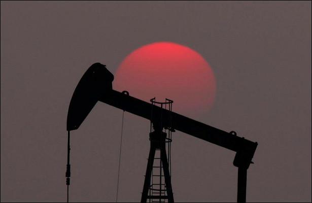 Нефть перешла кснижению перед праздниками