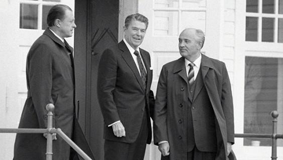 Горбачев призвал Россию иСША восстановить доверительные отношения