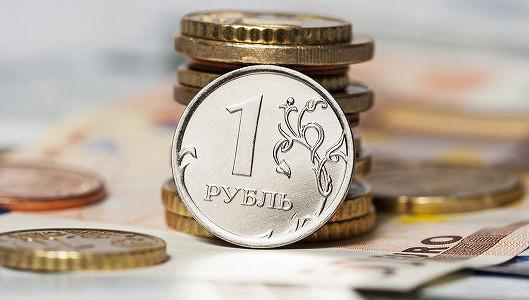 Рубль обновил двухнедельные минимумы на словесных интервенциях ЦБ