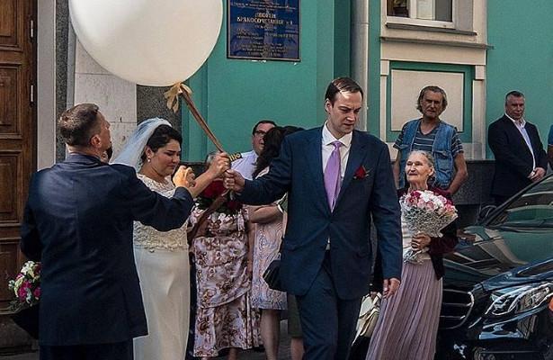 Лановой сыграл свадьбу