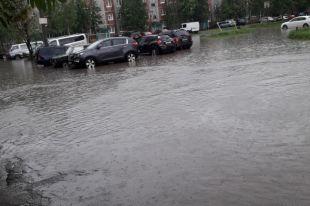 Коммунальная авария стала причиной затопления улицы Савушкина