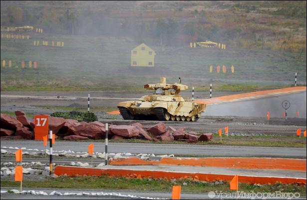 СДнем танкиста тагильчан поздравит Маршал