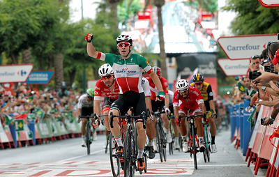 Вивиани выиграл третий этап «Вуэльты», Закарин— 25-й