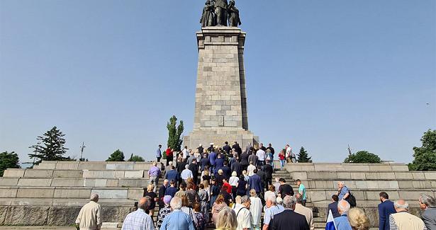 ВБолгарии почтили память жертв Великой Отечественной войны