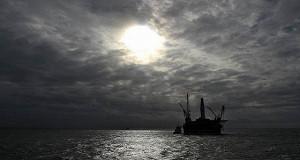 Россия будет добывать меньше нефти в Арктике
