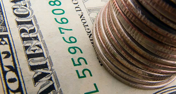 Курс доллара опустился ниже уровня 63 руб
