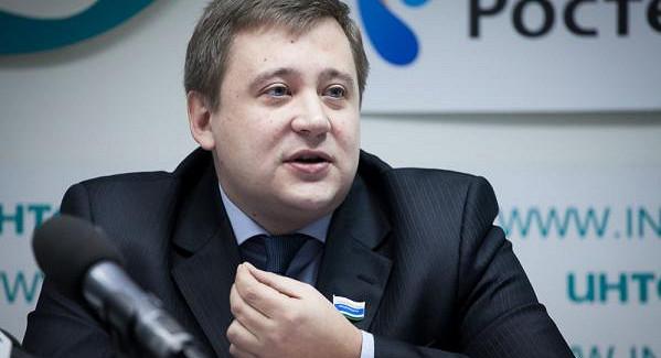 Чьиамбиции круче? Перелетный депутат-эсер Андрей Жуковский