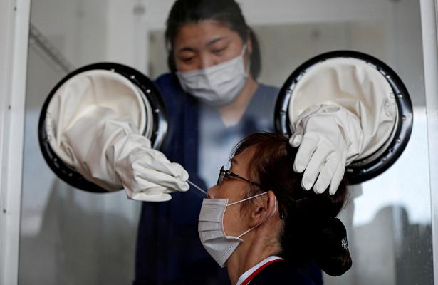Японские специалисты выявили новый вариант коронавируса