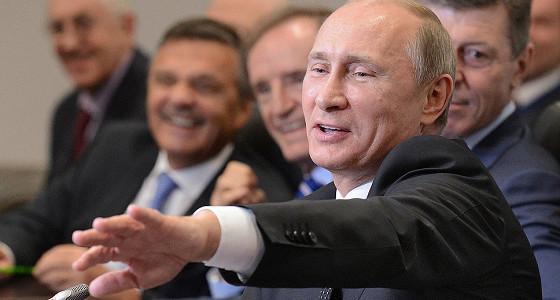 Путин уволил избранных в РАН чиновников