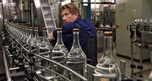Производство водки упало на четверть