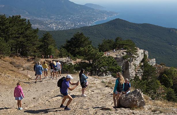 Опрос: каждого десятого туриста приятно удивили цены наотдых вРоссии