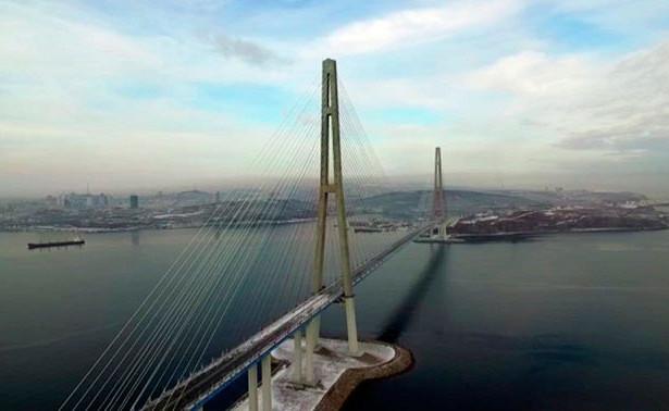 Открытие моста наостров Русский отложили ещеначетыре дня