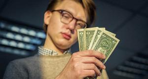 Россияне ждут роста доллара