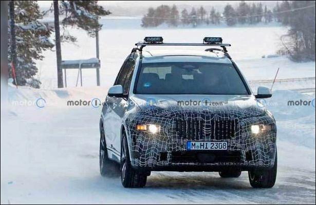 Обновленный BMWX7показали нафото