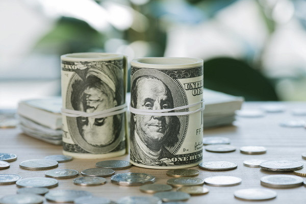 Эксперт исключила серьезное снижение курса доллара