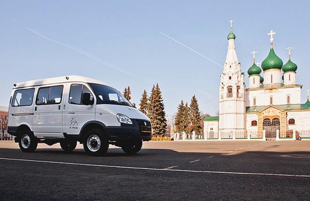 «Группа ГАЗ» вручила автобус «Соболь БИЗНЕС» многодетной семье врамках благотворительного проекта