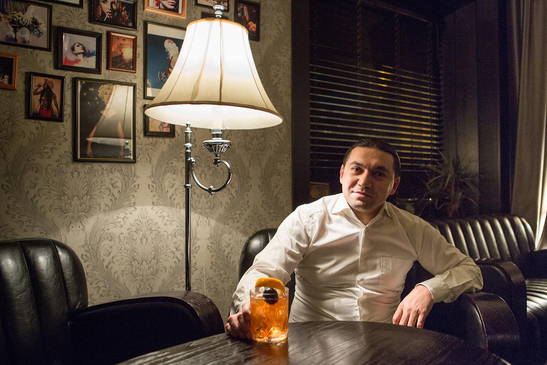 Syunik Old Fashioned, 440 р. (бурбон, варенье из грецких орехов, биттер)